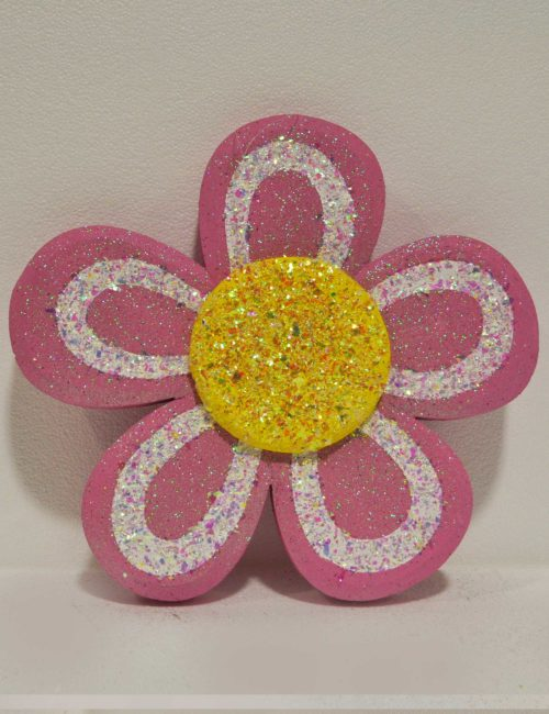 fiore rosa in polistirolo per allestimento vetrine negozio